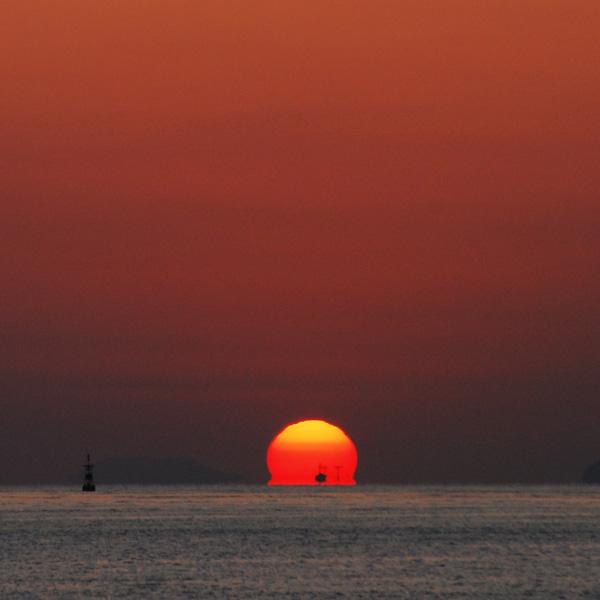 だるま夕陽。