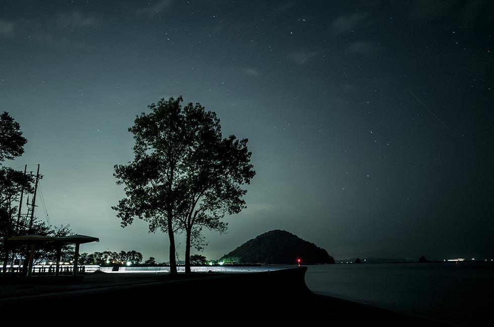 静かな夜に。